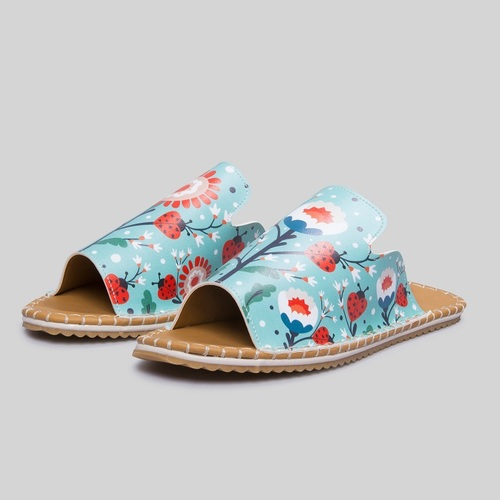 [mumka] Ladybugs And Flowers Flat sandal